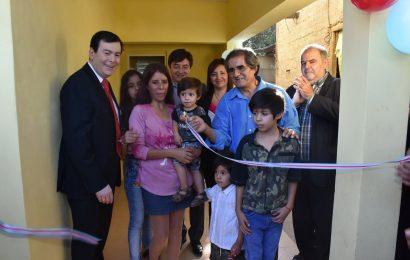 12 Viviendas Beneficiaran a Familias de Barrios de la Capital y La Banda.