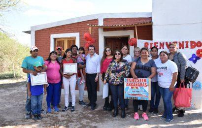 El ministro de Desarrollo social, Dr. Ángel Niccolai dejo inauguradas 20 viviendas en Departamento Banda
