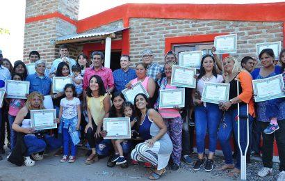 Inauguración de 23 viviendas en el Paraje Bajo Grande, Departamento Banda