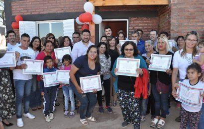 Inauguración de 27 viviendas sociales en ciudad Capital