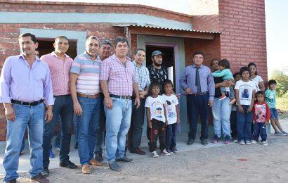 Familias de Dpto. Salavina recibieron 20 viviendas sociales
