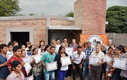 33 familias del dpto Banda fueron beneficiadas con viviendas sociales