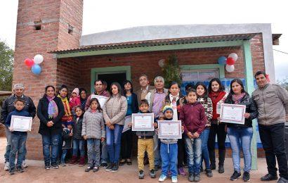 Entrega de Viviendas sociales en Dpto. Figueroa