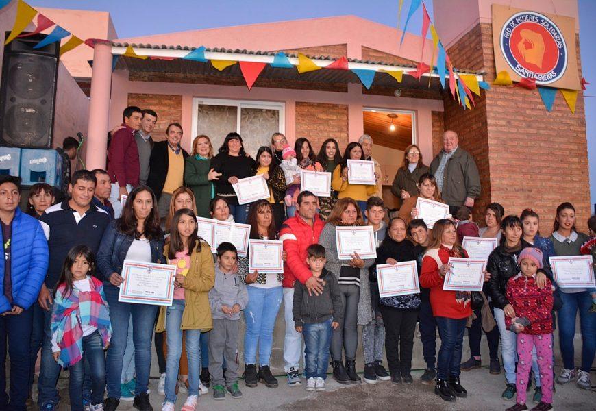 Entrega de 15 viviendas sociales a familias del Dpto. Ojo de Agua
