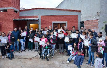 29 familias de Dpto. Río Hondo fueron beneficiadas con viviendas sociales