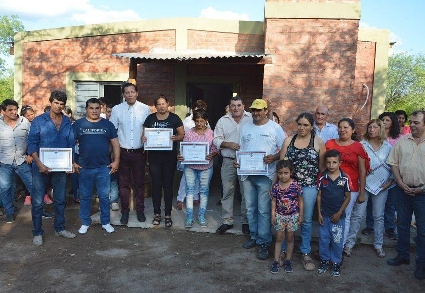 Entrega de 70 Viviendas Sociales en Dpto. Alberdi