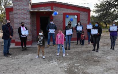 Entregaron 19 viviendas sociales en La Banda
