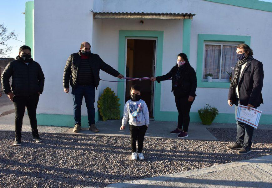 Entrega de 12 viviendas sociales en la ciudad de Ojo de Agua