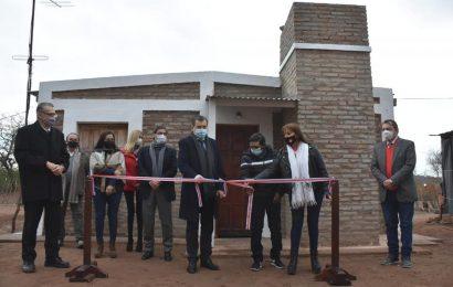 Entrega de 25 viviendas sociales en Dpto. Choya
