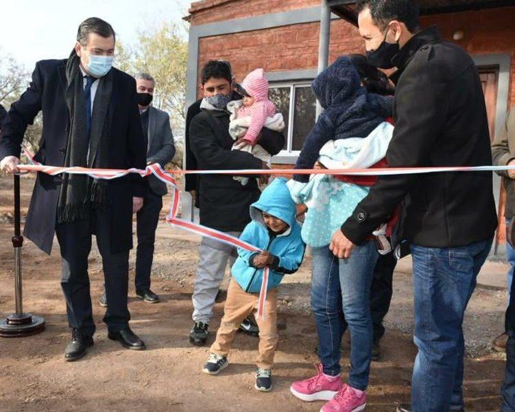 Inauguración de 11 viviendas sociales en Dpto. Pellegrini